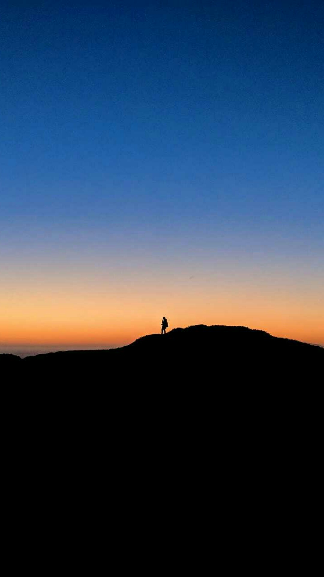 ... High Resolution Nature Wallpaper for Mobile Phone with Picture of Romantic Sunset on Hill